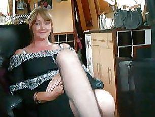 skirt mature amateur upskirt