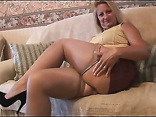 blonde mature milf nylon skirt stunning upskirt