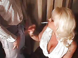 bus busty glasses hot mature milf smoking blonde blowjob