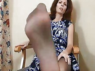 footjob foot-fetish pov milf masturbation fetish crazy handjob