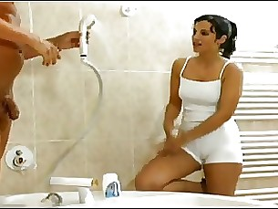 brunette shower train