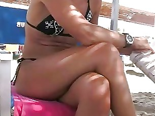 beach foot-fetish milf