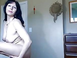 milf webcam brunette