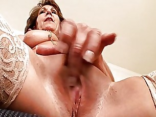 hidden-cam masturbation mature nasty secretary solo