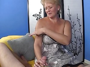 huge-cock hooker handjob couple big-cock masturbation prostitut milf mature