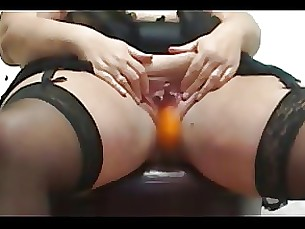 amateur bbw licking mature squirting