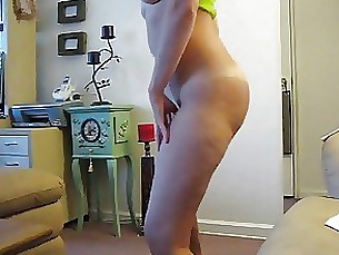 amateur dancing juicy milf striptease webcam