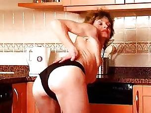 amateur brunette dildo hairy masturbation mature pussy solo toys