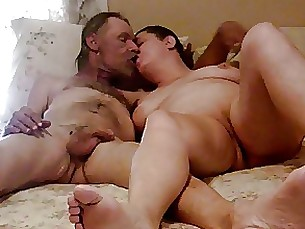 mature fingering amateur sucking milf