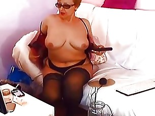blonde mature solo webcam