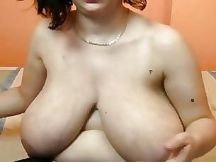 amateur big-tits mature webcam