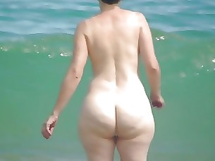 amateur ass stunning mature beach
