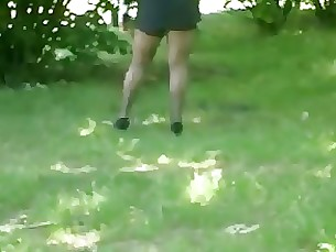 amateur high-heels milf skirt stocking upskirt