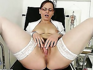 amateur ass brunette glasses hairy mammy mature milf nurses