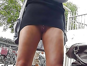 public amateur upskirt kitty milf skirt