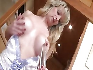 wife solo prostitut nasty mature masturbation horny hooker dildo