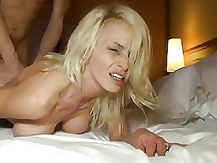 amateur blonde milf