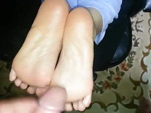 amateur cumshot feet fetish foot-fetish footjob interracial mammy mature