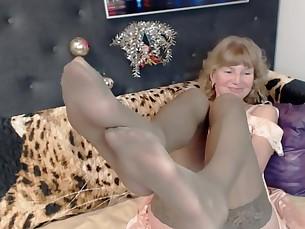 amateur blonde feet foot-fetish mature nylon prostitut really webcam