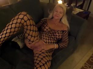 amateur big-tits blonde mature milf pussy tease