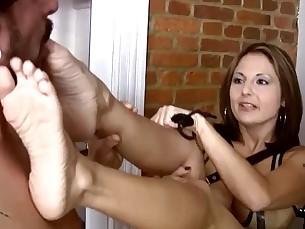 feet fetish foot-fetish milf