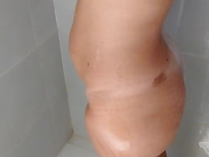 amateur ass bathroom big-tits boobs fatty homemade hot mammy