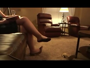 amateur feet foot-fetish high-heels hot juicy mammy mature milf
