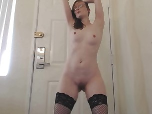 amateur ass babe dancing glasses little mammy milf redhead