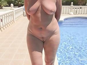 amateur mature milf nude