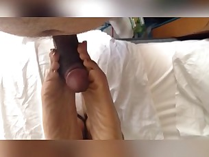 cumshot feet foot-fetish footjob milf