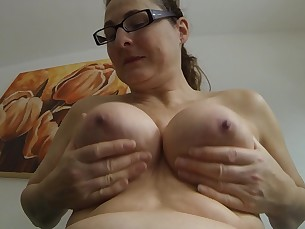 amateur big-tits boobs fatty mature nude playing