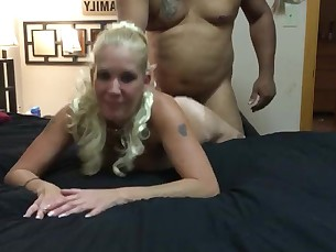 amateur babe blonde big-cock fuck hardcore huge-cock interracial mammy